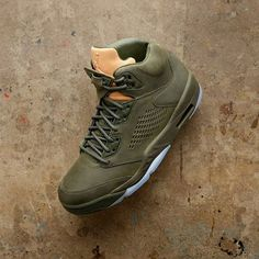 Nike air jordan 4 pure money 45 (nie yeezy supreme adidas