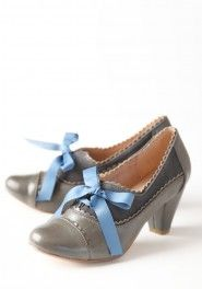Extremely cute shoes.  madison oxford gray pumps by Chelsea Crew
