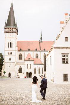 Romantic wedding walking pose in Bardejov Travel Around The World, Around The Worlds, Walking Poses, Destination Wedding Photographer, Wedding Portraits, Elegant Wedding, Romantic, Mansions, House Styles