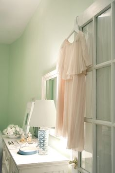 MAKE ROOM  Pistachio wall paint #interior #design #makeroom #makehappy