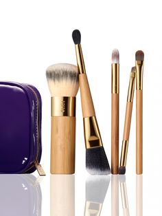 Brush your way to flawless beauty with tarte's exclusive 5 piece bamboo brush set and travel-friendly makeup bag.  Includes 5 supremely soft brushes inside a purple makeup bag:    bamboo cream shadow brush  undercover lover™ bamboo concealer brush  the buffer™ airbrush finish bamboo foundation brush  double-ended bamboo blush & highlighter brush  double-ended bamboo eyeliner & shadow brush  purple makeup bag