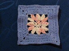 Little Dahlia ~ free pattern link