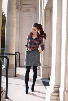 Holiday work outfit // Christmas plaid print mixing preppy office holiday style // classic christmas party outfit The post Holiday work outfit // Christmas plaid print mixing & style Inspiration. appeared first on Outfits . Winter Outfits For Work, Winter Fashion Outfits, Holiday Fashion, Autumn Fashion, Holiday Style, Party Fashion, Winter Work Fashion, Winter Work Shoes, Formal Winter Outfits