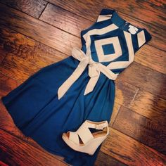 Gorgeous chevron top summer sleeveless summer dress with cream leather heels ladies sandals the best summer street style outfits Beauty And Fashion, Look Fashion, Passion For Fashion, Jw Fashion, Modest Fashion, Dress Fashion, Fashion News, Vintage Fashion, Blue Summer Dresses