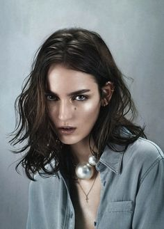 Layered hair has never been more stylish and simple. Here is your guide to the most gorgeous layered hairstyles & haircuts that you need to copy. Shoulder Length Hair, Hair A, Hairstyles Haircuts, Layered Hairstyles, Medium Hairstyles, Fine Hair, Face Shapes, Hair Looks, Hair Lengths