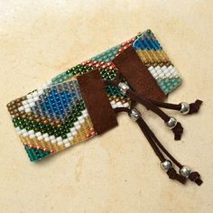 Tricks to Looming- Russian River – Beadshop.com Bead Loom Patterns, Beading Patterns, Bead Jewellery, Jewelery, Make Your Own Jewelry, Jewelry Making, Diy Jewelry Instructions, Copper Cuff, Loom Weaving