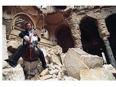 #Βεντράν_Σμαΐλοβιτς-Ο μουσικός των ερειπίων του Σεράγεβο  Του Γεωργίου Νικ. Σχορετσανίτη #music #musician #instrument #sound Vedran Smailović http://fractalart.gr/vedran-smailovic/