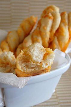Recipe for Garlic Cheese Twists