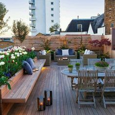 Spring is coming - 49 cool ideas for roof terrace design roof garden design beautiful views deco ideas garden furniture creative garden ideas 19 Roof Terrace Design, Rooftop Design, Deck Design, Balcony Design, House Design, Design Hotel, Backyard Patio, Backyard Landscaping, Apartment Backyard