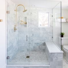 On the blog today: 5 tips for designing a small bathroom! And if you're feeling bored tonight you should watch our #ustreetproject webisode! It shows how we were able to get this big shower and beautiful design in a small space.