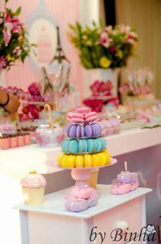 Olha que linda ideia esta Festa Patisserie!!!Venha se inspirar nesta linda decoração.Imagens do facebook Alessandra Lima.Lindas ideias e muita inspiração.Uma semana maravilhosa para todo mundo....