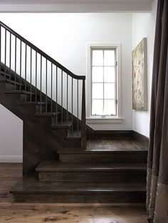 I love how the bottom 3 stairs extend a little farther out...very neat idea!!!!!