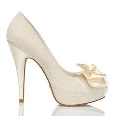 Zapato de novia con lazo de Menbur (ref. 5438) Loop bridal shoes by Menbur (ref. 5438)