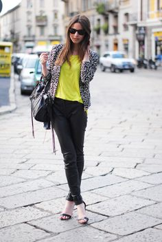 The neon trend is really popular this season! I like how Zina has chosen to style it here with the neon top. Perfectly balanced.