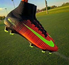 Soccer Boots, Football Shoes, Football Soccer, Soccer Ball, Best Soccer Cleats, Nike Cleats, Barcelona Team, Nike Boots, Sports Clubs