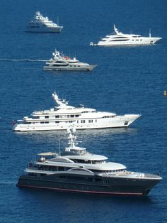 Luxury Rental Directory offers luxury car, limousine, jet, villa and yacht rentals all over the world. Private Yacht, Private Jet, Yachting Club, Grand Prix, Yacht Interior, Cool Boats, Yacht Boat, Speed Boats, Water Crafts