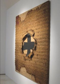 Antoni Tapies I love the way the materials bring across the feelt of the whole. the black cross coming through reminds me of war. Collage Art, Collages, Art Espagnole, Modern Art, Contemporary Art, Bokashi, Art Terms, Pablo Picasso, Spanish Artists