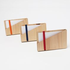 wooden businesscard case color variation laser cut in cedar thinning of Japan