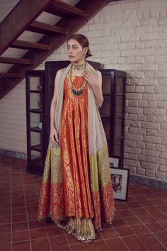 LALEH 11 Spring Festive 2019 by Zonia Anwaar - chambeili Bridal Pakistani Fashion Party Wear, Pakistani Formal Dresses, Pakistani Wedding Outfits, Pakistani Dress Design, Nikkah Dress, Hijab Outfit, Indian Attire, Indian Outfits, Anarkali