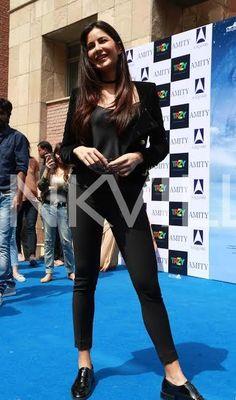 Katrina & Sidharth take Delhi by storm, groove to the beats of Kala Chashma Baar Baar Dekho, Katrina Kaif Wallpapers, Katrina Kaif Photo, Celebrity Portraits, Bollywood Celebrities, Girl Crushes, Celebs, Actresses, Coat