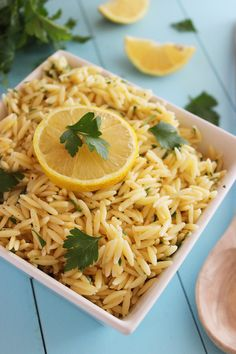 Lemon Butter Orzo with Parsley – Buttery and tangy, with bright lemon flavor! This orzo is a perfect side to grilled, baked or roasted meats and fish! Orzo Recipes, Side Dish Recipes, Vegan Recipes, Cooking Recipes, Herb Recipes, Recipes Dinner, Cooking Ideas, Oven Roasted Chicken, Roasted Meat