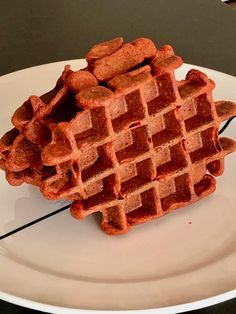 unieke Belgische rode tandoori wafels - gerechtenweb Waffle Iron, Red Chicken, Clay Oven, Red Food Coloring, Waffle Recipes, Dry Yeast, Naan, Other Recipes