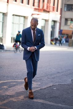 Via carsonstreet:  Now up on The Review: In need of a new suit but tired of the limited choices and sizing that comes with off-the-rack suiting? Enter Eidos Made to Measure.