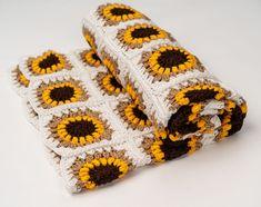 Transcendent Crochet a Solid Granny Square Ideas. Inconceivable Crochet a Solid Granny Square Ideas. Crochet Blanket Patterns, Crochet Stitches, Knit Crochet, Knitting Patterns, Crochet Shawl, Freeform Crochet, Crochet Blankets, Crochet Sunflower, Crochet Flowers