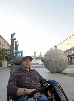 Contraportada de Heraldo de Aragón hace casi dos años, cuando empezaba mis actividades en las redes sociales