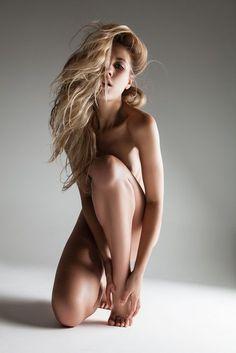 pose for nude modeling - Hledat Googlem