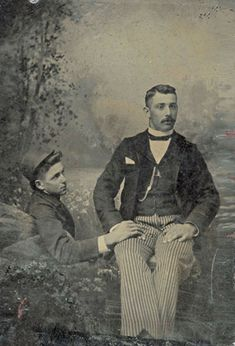 "antique-erotic: ""A curious scene here; a young fellow with his hat tipped back to allow for the styling of his hair holds the hand of a chap looking utterly indifferent to the gesture! Most photographs with such close contact between sitters seem. Vintage Couples, Cute Gay Couples, Couples In Love, Vintage Love, Vintage Men, Vintage Gentleman, Vintage Sailor, Fashion Vintage, Men's Fashion"