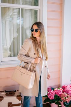 Outfit Details: Max Mara Coat (also love this pink one, similar less expensive here and here), GAP Turtleneck (old, Estilo Preppy Chic, Preppy Style, Casual Outfits, Cute Outfits, Fashion Outfits, Autumn Winter Fashion, Spring Fashion, Gal Meets Glam, Weekend Style