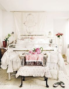 White wire bed frame and white lace will make any room look rustic ~ add some vintage decor to complete the look! The Warrior diet! Find out how to lose weight and help keep it off!