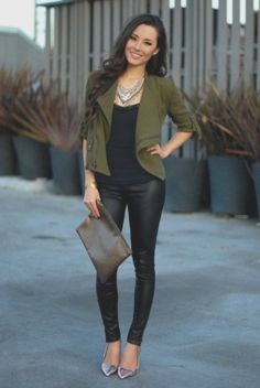 One of the essential parts of the spring months is leather pants. Leather trousers can be easily combined for both casual and special . Black Leather Pants, Leather Trousers, Black Trousers, Leopard Jacket, Purple Jacket, Elegantes Outfit Frau, Pull Bleu, Pantalon Long, Black Lace Blouse
