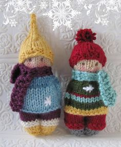 Winter Time Friends Pocket Doll Knitting pattern by Jackie Ehman Knitted Doll Patterns, Knitted Dolls, Knitting Patterns Free, Knitted Hats, Crochet Yarn, Knitting Yarn, Crochet Toys, Baby Knitting, Cuadros Diy