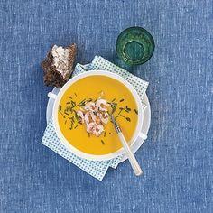 Bild på Blomkålssoppa med saffran och räkor