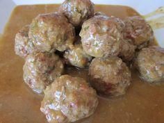 Gastronofilia: Albóndigas de ternera, cerdo y jamón en salsa de verduras. Pueden acompañarlas también con un saltado de verduras al estilo oriental.