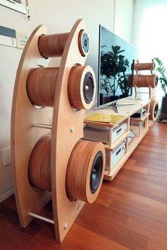 WoodWorking - gundem ve haberler Wooden Speakers, Home Speakers, Built In Speakers, Cool Woodworking Projects, Woodworking Plans, Wood Projects, Easy Projects, Woodworking Shop, Speaker Box Design