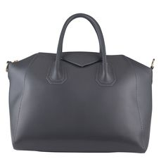 NEW ARRIVAL FOR 2015! Dress it up or play casual – the Jamie Grey Italian Leather Handbag is a true classic which will always remain in fashion. Great for work or play, its colour will match with any outfit from classic black and whites to bright, bold pinks and purples!