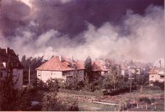 1944 Bielefeld - Das brennende Bielefeld nach der schwersten Bombardierung der Stadt. Blick von der Gabelsbergstraße (Foto: Stadtarchiv und Landesgeschichtliche Biblothek Bielefeld).