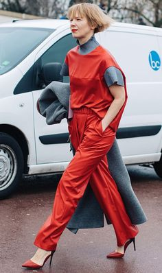 It's no secret that the Russian fashion set has killer style. Here are 11 of their best outfits to copy now.