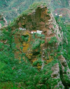 Tenerife Anaga, España,    declarada por la UNESCO  Reserva de la Biosfera. Tenerife, Island Design, Beautiful Sites, Island Beach, Canary Islands, Spain Travel, City Photo, Places To Visit, Pictures