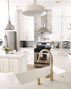 Image Of Hdi Cabinetry Desoto White Kitchen Pantries Reno Cabinets
