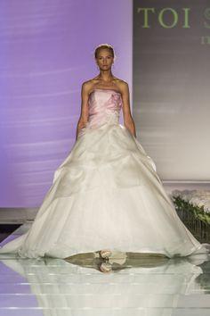 #milan #fashionshow  #abitidasposa #toispose #romantic #organza #pink