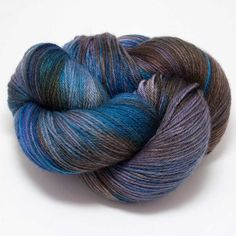 This fantastic hand-dyed yarn comes all the way from Ireland! With a super-soft feel and lovely drape its wonderful in luxurious socks, shawls and garments. Knitting Needles, Knitting Yarn, Double Crochet, Single Crochet, Crochet Shawl, Knit Crochet, Hedgehog Fibres, Yarn Inspiration, Yarn Thread