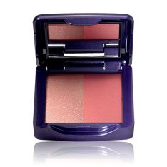 The ONE IlluSkin -poskipuna The One, Makeup Tips, Beauty Makeup, Oriflame Cosmetics, Belleza Natural, Blush, Urdu Quotes, Chloe, Red