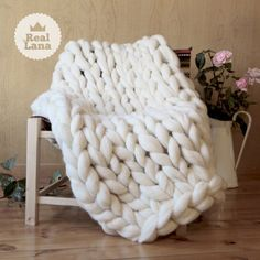 Fabric with arms, trend in decoration. Baby Boy Knitting Patterns, Crochet Amigurumi Free Patterns, Knitted Blankets, Merino Wool Blanket, Giant Stitch, Cotton Cord, Big Knits, Wool Wash, Cute Quilts