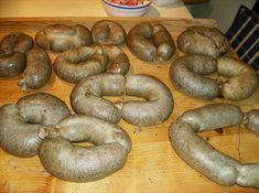Reteta culinara Caltabosi a la Pana din categoria Mezel de casa. Cum sa faci Caltabosi a la Pana Bagel, Carne, Sausage, Diy And Crafts, Bread, Recipes, Canning, Pork, Kochen