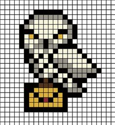 DIY: Harry Potter magnets with Hama beads. - I& varnished - DIY: Harry Potter magnets with Hama beads. – I& varnished - Harry Potter Diy, Pixel Art Harry Potter, Harry Potter Perler Beads, Harry Potter Cross Stitch Pattern, Harry Potter Crochet, Theme Harry Potter, Harry Potter Minecraft, Melty Bead Patterns, Hama Beads Patterns