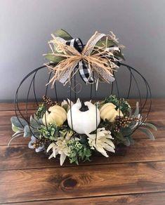Fall Crafts, Decor Crafts, Diy Crafts, Diy Wreath, Grapevine Wreath, Wreaths, Thanksgiving Decorations, Fall Decorations, Faux Pumpkins